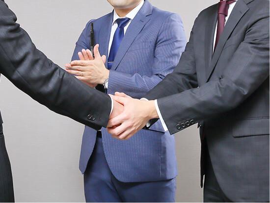 経営者と候補者双方を担当する両手モデルで「企業力を超えた採用」を実現するサービス